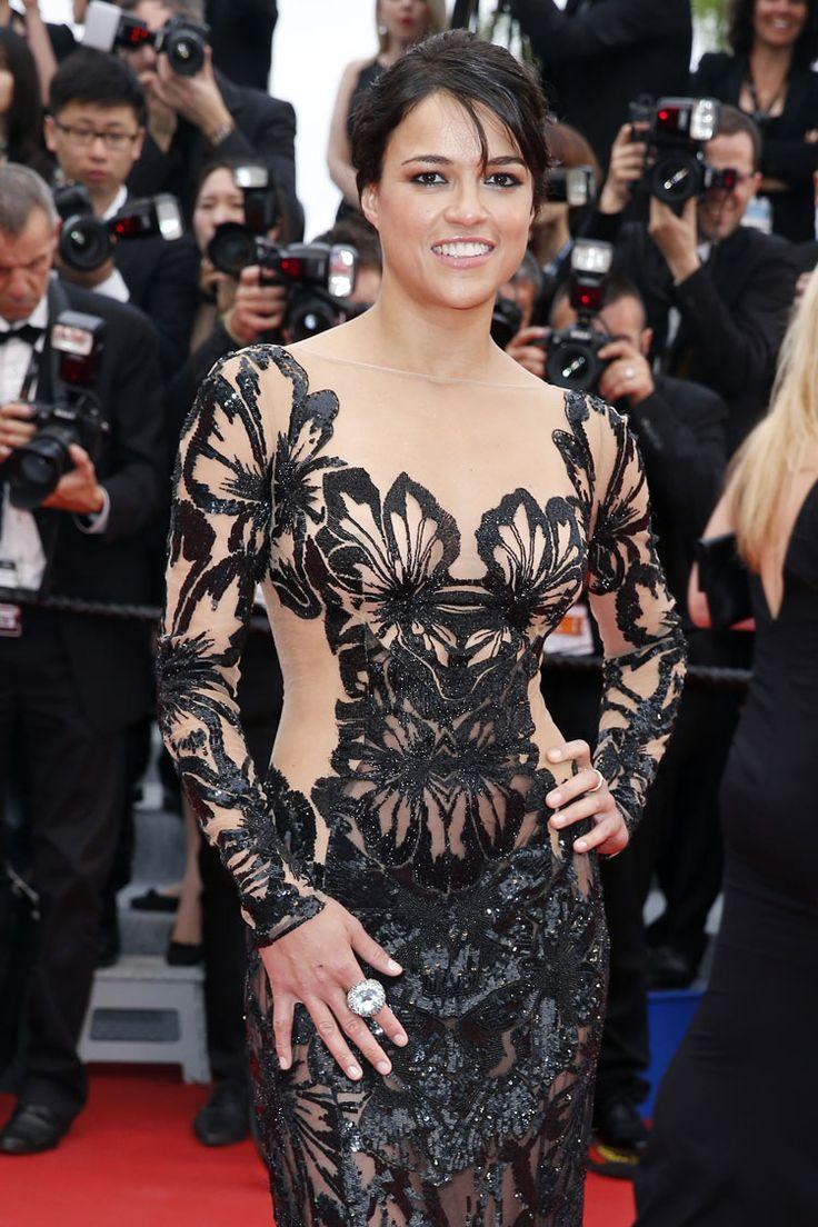 Festival di Cannes: il red carpet della seconda serata - - Read full story here: http://www.fashiontimes.it/galleria/festival-di-cannes-il-red-carpet-della-seconda-serata/