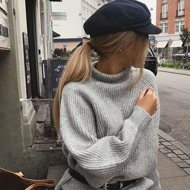 Baker boy cap   grey turtle neck chunky sweater   how to wear a belt over sweater