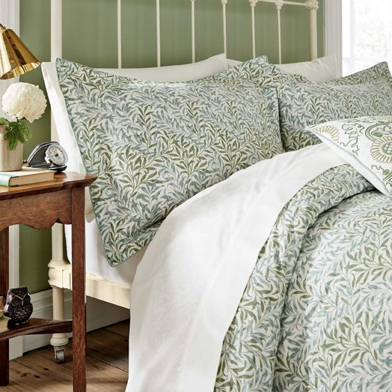 Bookbinding With William Morris In 2021 Bed Linens Luxury Bed Spreads Bed Linen Sets