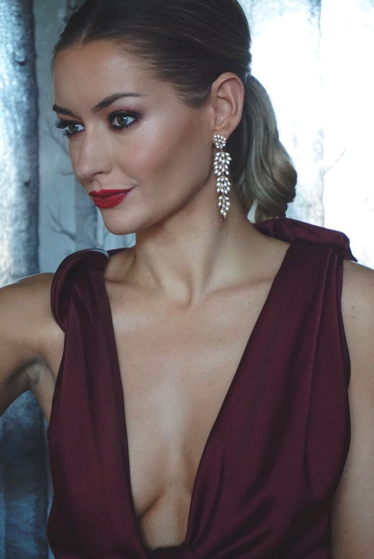 THE GIRL WITH THE GREAT EARRINGS (…AND DRESS)  #jewellery #earrings #lilyandrose #asos #dress #red #oxblood #evening #blacktie