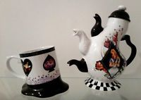 Brand New Disney Alice in Wonderland Melted Cup Mug 3 spout Teapot Mad Hatter