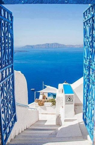 santorini island greek gift shop ideas ceramic pottery art bronze sculpture