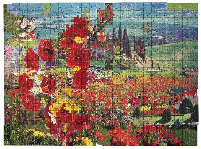 Unindo peças de diferentes quebra-cabeças, Kent Rogowski conseguiu criar seu próprio jogo de imagens, onde pedaços de céu e flores misturam-se em aparente desordem, mas sempre em volta de um tema s…
