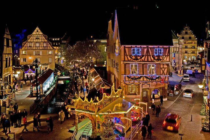 Magie de Noël à Colmar en Alsace! Marché de Noël - Place de l'ancienne douane