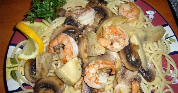 SHRIMP PORTOFINO   Macaroni Grill Copycat Recipe     Serves 3       16 mushrooms   2 tablespoons garlic   1/2 cup melted butter    14 s...