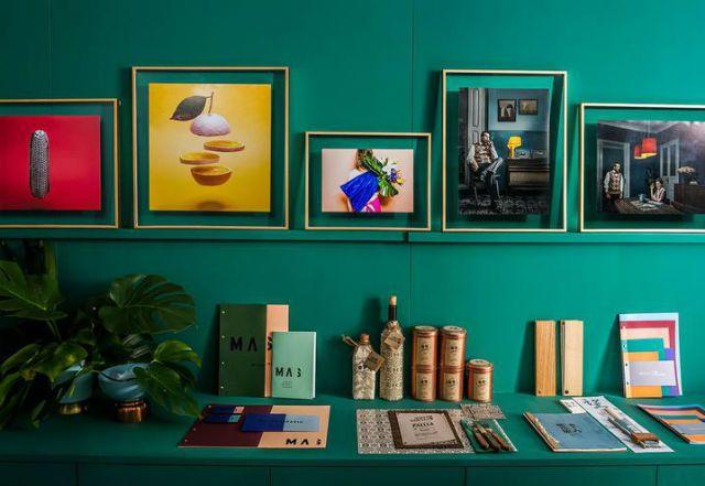 Een multicolor kantoormake-over: mogen wij hier wonen? | ELLE
