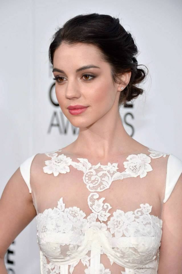 Flawless Adelaide Kane at the Peoples Choice Awards