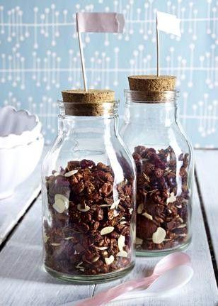 Das Rezept für Schokoladen-Cranberry-Granola (Knusper-Müsli) und weitere kostenlose Rezepte auf LECKER.de