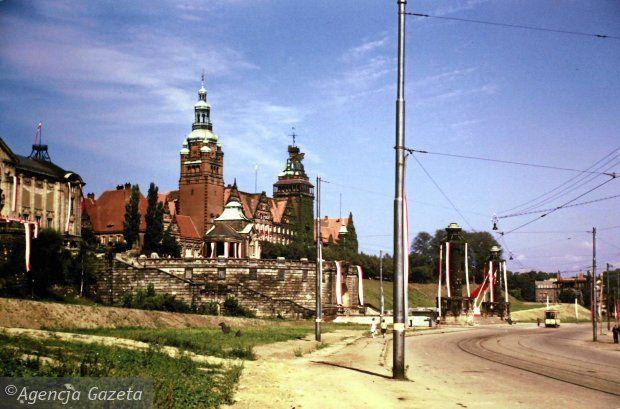 Zdjęcie numer 34 w galerii - Polskie miasta w powojennej ruinie. Unikatowe zdjęcia amerykańskiego studenta