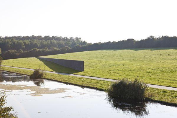 Richard Serra, Sea Level (1989-1996) in Zeewolde. © Jordi Huisman, Museum De Paviljoens