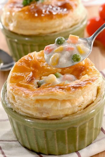 Simak resep Chicken Mushroom Soup di sini : http://resepkita.com/detailResep.asp?recId=521