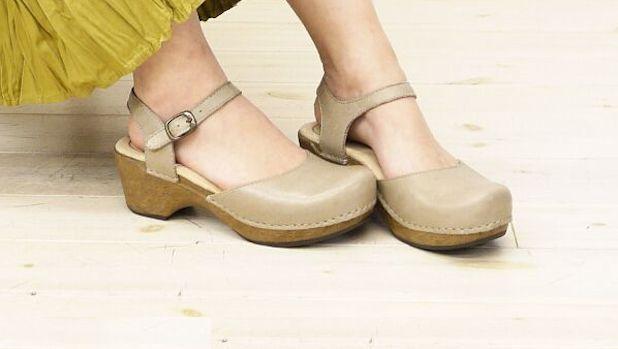 Dansko sam shoe