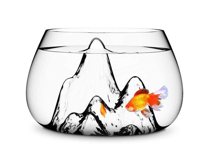 風水画を思わせるシンプルさ。色味がないがゆえに、金魚が映える。金魚が跳ねるちゃぽん♪が聞こえてくる。  [ Aruliden Underwater Landscape Bowl ]