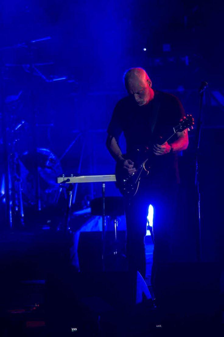Gilmour-at-pompeii 59