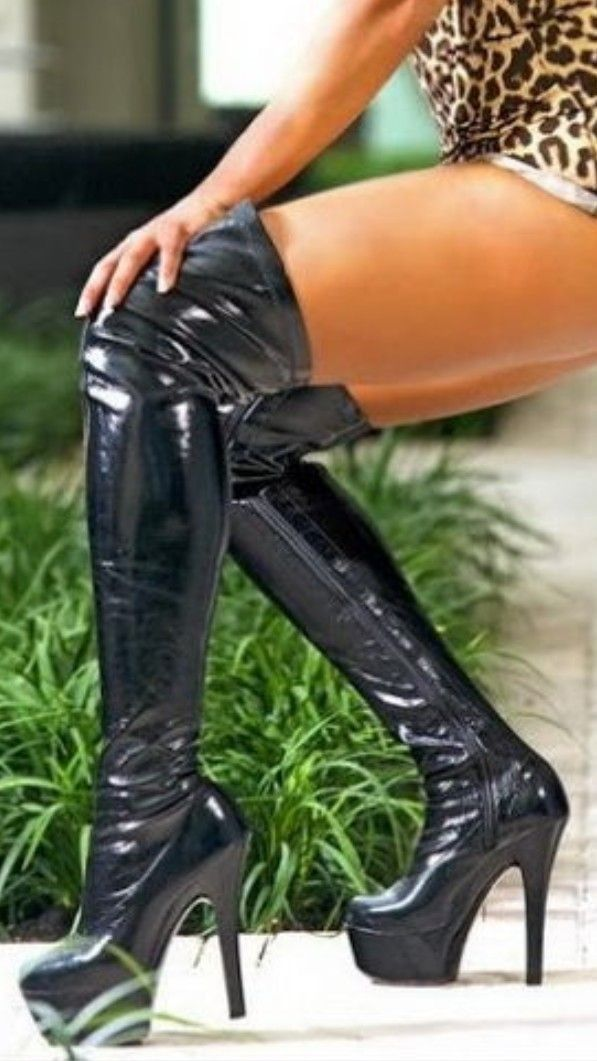 best 25 lack und leder ideas on pinterest latex high heels latex stiefel and overknee high heels. Black Bedroom Furniture Sets. Home Design Ideas