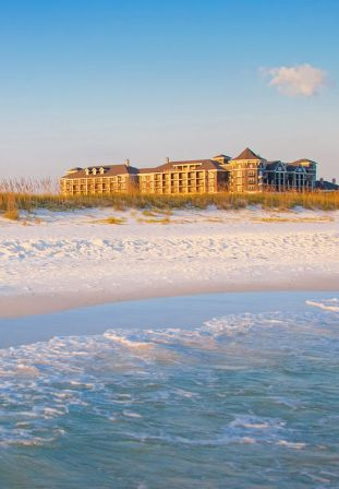 AD - I partnered with Visit Florida for a trip to this new luxury hotel in Destin, FL on Florida's Emerald Coast was simply stunning. The hotel was so close to the beach, with large white sand beaches, green seas and a stunning hotel interior. You can see why this stretch of coast has won so many awards!