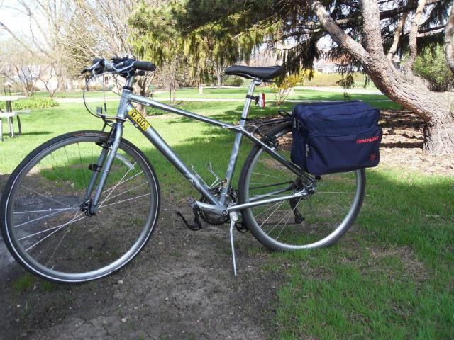 DIY convert a messenger bag to a pannier. A way to upcycle my messenger bag?