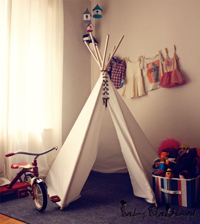 DIY play tee pee, diy kids teepee, homemade play teepee, 3 year old birthday gift