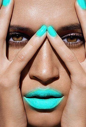 aqua lips + nails
