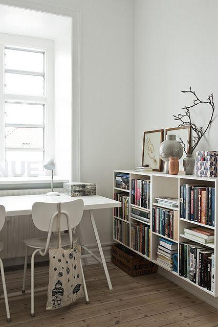 Bokhylle. Bookshelf.