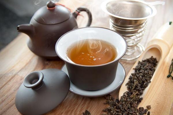 In functie de gradul de oxidare al frunzelor exista patru tipuri principale: ceaiul alb verde oolong si ... http://ift.tt/13TOJXC