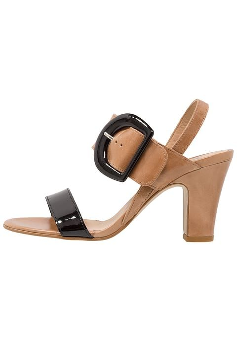 https://www.zalando.se/perlato-sandaler-sandaletter-noir-jamaica-naturel-noir-p6311l00k-o11.html