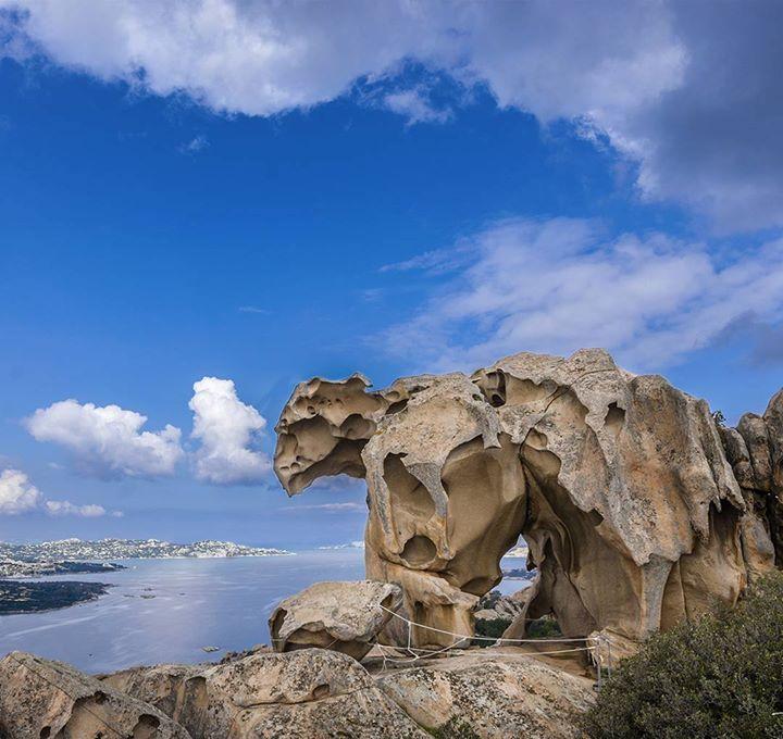 by http://ift.tt/1OJSkeg - Sardegna turismo by italylandscape.com #traveloffers #holiday | La Roccia dell'Orso Stamane piccola visita a questa scultura dall'alto si scorgevano le isole di La Maddalena Spargi Budelli e molto in lontananza la Corsica É una spettacolare scultura naturale in forma di plantigrado col capo rivolto verso il mare essa si erge a 122 m slm a vegliare sul vicino abitato di Palau. #lovesardegna #focusardegna #beautiful #sardiniacoasttocoast #vivosardegna…