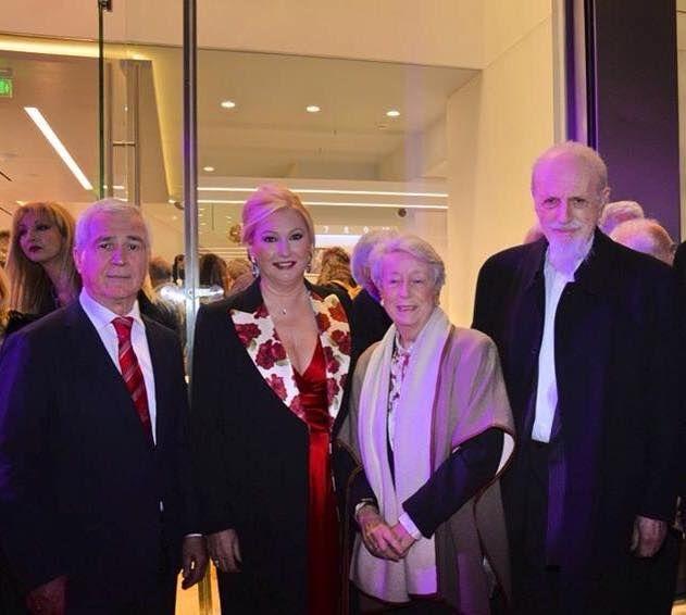Ο Θάνος και η Νίνα Ψυχογιού μαζί με τον Θεοδόση Τάσιο, Ομότιμο Καθηγητή Ε.Μ.Π. και τη σύζυγό του.