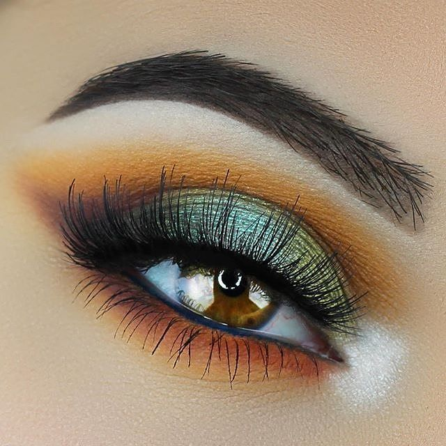 Talk about Monday motivation! @emilyann_mua used the following Makeup Geek eyeshadows - click the link in the bio to add them to your cart: •  Chickadee •  Tiki Hut •  Cherry Cola •  Corrupt •  Morocco •  Enchanted Forest •  Sugar Rush •  Jester  #makeupgeekeyeshadows #makeupgeektv #mua