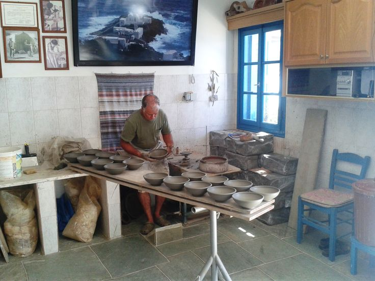 Sifnos island potter (Mr. Lemonis). It is not known when pottery began on the island of Sifnos though it is mentioned by Theophrastus in the third century B.C.. The oldest pottery found dates back to the eighth century B.C.