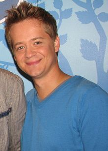 You see this man? This is Jason Earles. He played Jackson in Hannah Montana and is 36 years old! Yes...36. Older than Tom Hiddleston and the exact age as Benedict Cumberbatch. What sorcery is this?!