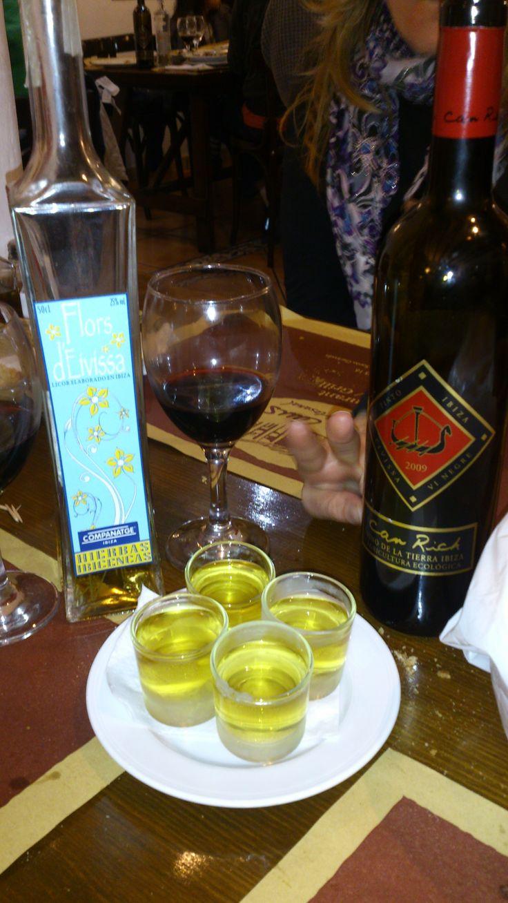 L' #herbias d'Ibiza, c'est une liqueur typique de l'île. Gracieusement offerte par le restaurant #Can_Caus pour tous les clients !
