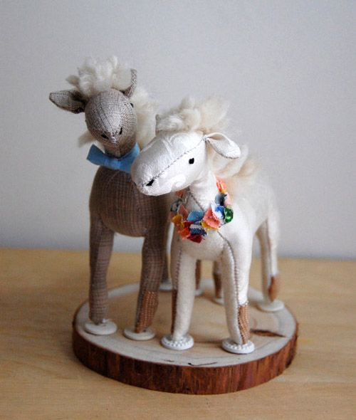 cute animal wedding cake toppers 17 best images about horsey wedding on 13267