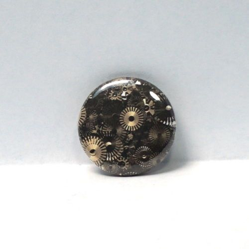 1-034-Pinback-Button-Steampunk-Dieselpunk-Gears-Wheels-Cogs-Awesome
