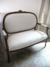 old FranceFab Furniture, White Linens, Settees Th Benches, Living Room, Decor Inspiration, Sofas Style, Linens Settees, Shabby Chic Sofas, Chaise Th Settees Th