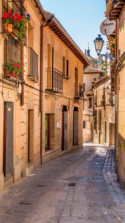 How to avoid making 7 common mistakes when traveling to Europe. BELLA CALLESITA.
