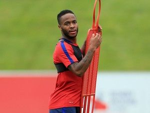 Gareth Southgate backs Raheem Sterling to bounce back for England