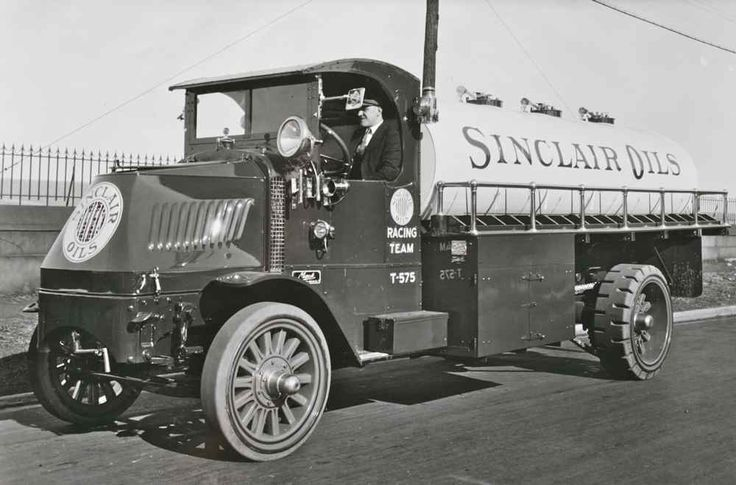 Mack Truck | The Old Motor