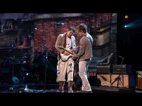 ▶ The Beatles - Keith Urban & John Mayer - Don't Let Me Down LIVE - YouTube