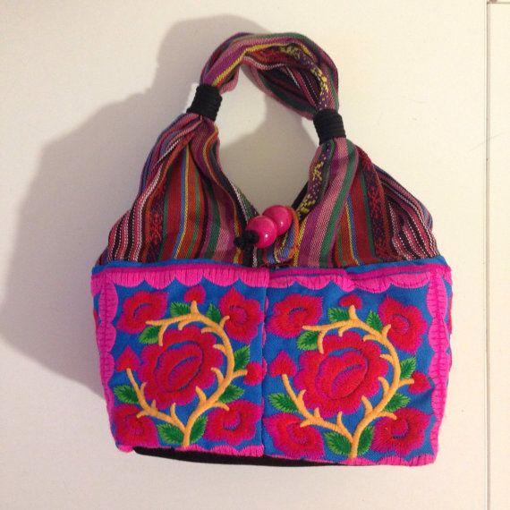 Bolsa con bordados mexicanos por Floresche en Etsy