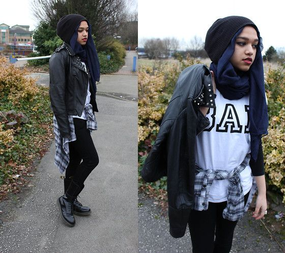 Beanie, Navy Hijab, Bad T Shirt, Grey And Blue Shirt, Studded Leather Jacket, Black Skinny Jeans, Dr. Martens
