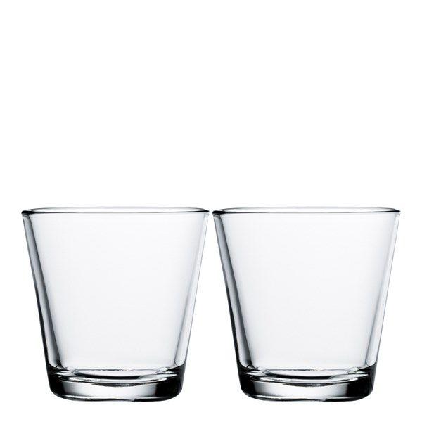 Med Iittalas enkla, men ack så vackra, dricksglas blir denna livsviktiga handling både god och trevlig.