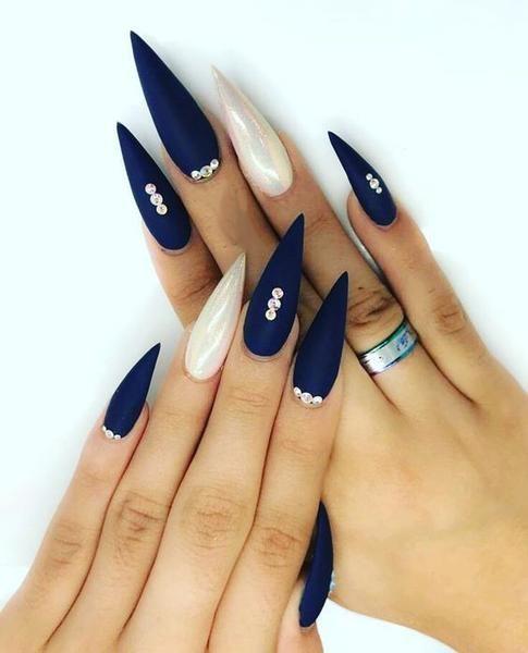 30 coole und trendige Stiletto Nail Art Designs; Stiletto Nail Designs; Bling Stile … – Nägel