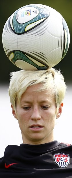 rapinoe. awesome hair.