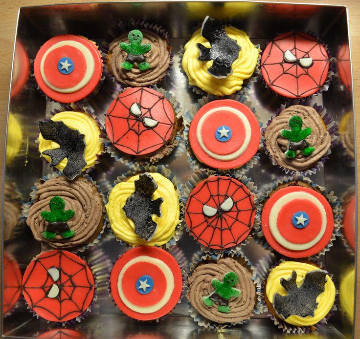 #hulkcupcake #betmancupcake #spidermancupcake #captinamericacupcake #superheroscupcakes