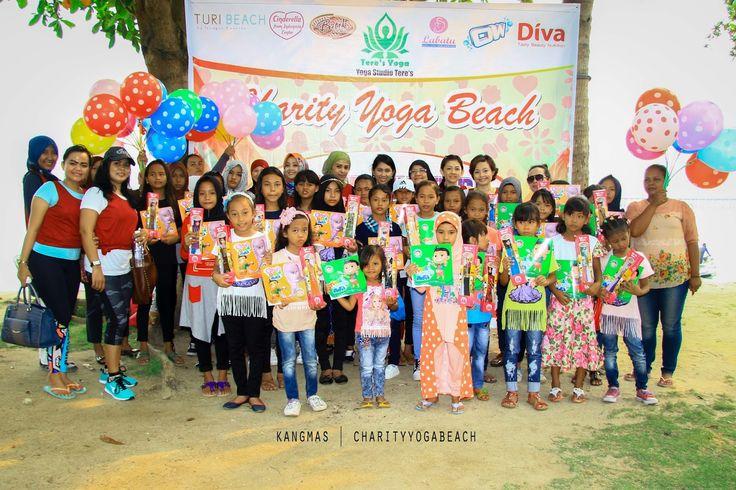 foto bersama anak2 jalanan    Lusi Elfriani yang dikenal dengan Cinderella From Indonesia bersama...