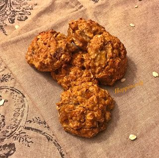 Cennet elmalı ve muzlu yulaflı kurabiye / Persimmon & Banana Oatmeal Cookies