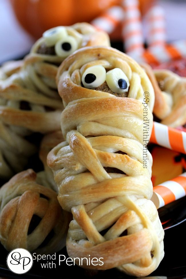 Deliciously adorable Meatball Mummies!  Easy to make, fun to eat!