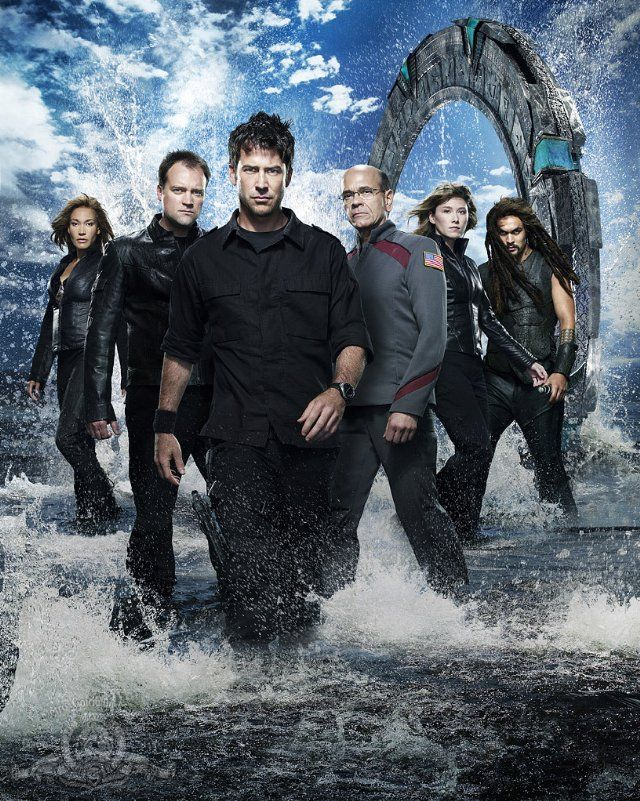 Robert Picardo, Joe Flanigan, David Hewlett, Rachel Luttrell, Jason Momoa and Jewel Staite in Stargate: Atlantis