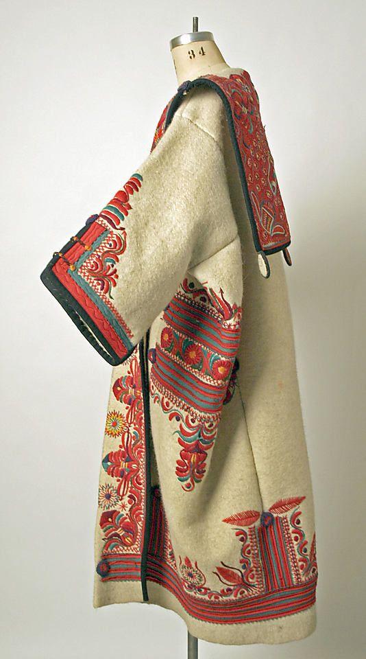 manteau brodé, Hongrie, début 20e siècle